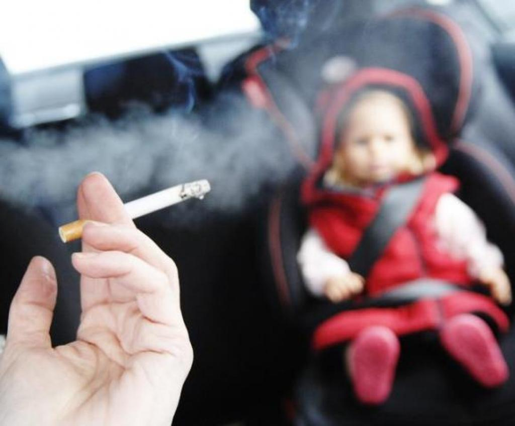 Resultado de imagem para Fumantes passivos possuem 30% a mais de chance de desenvolver câncer de pulmão