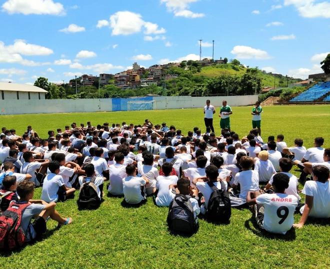 Flamengo divulga garotos selecionados em peneirada 68ef5206ec5dc