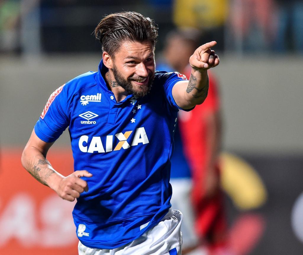 Rafael Sóbis ainda sem futuro definido - Diário do Aço f96dbf4b3c6ff