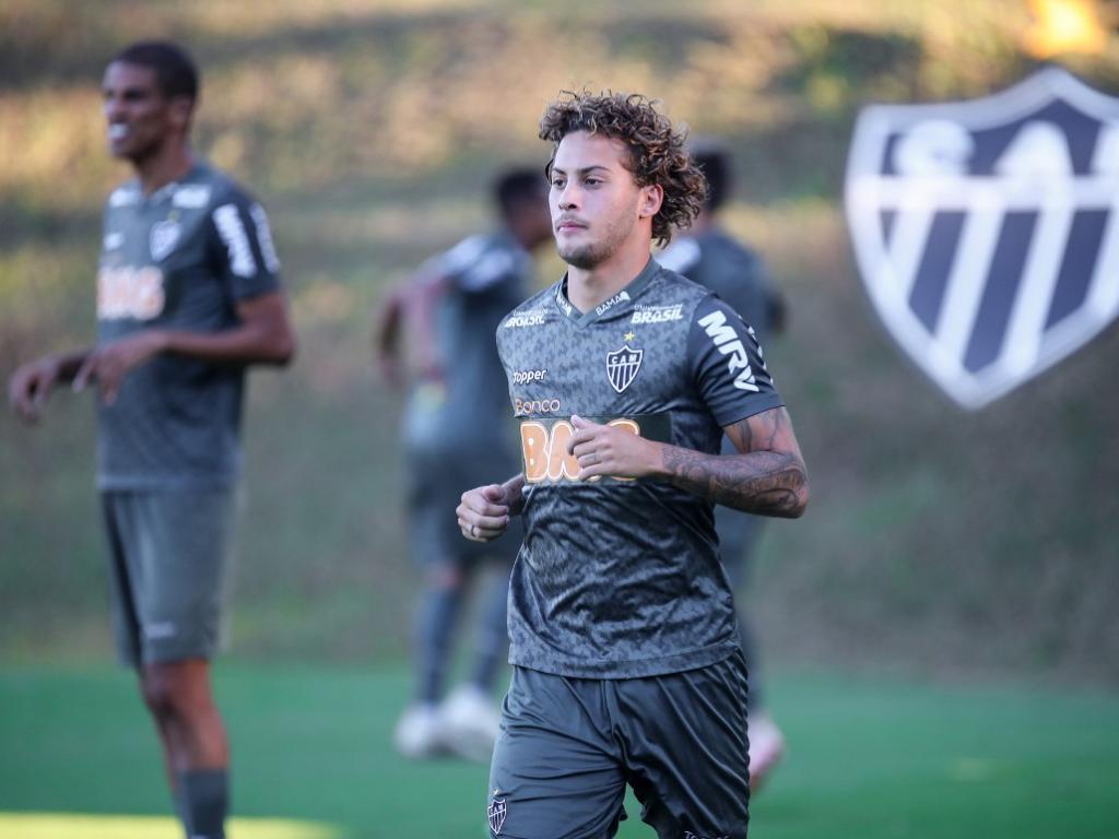 Atlético enfrenta Villa Nova com time reserva 934dc7adf6718