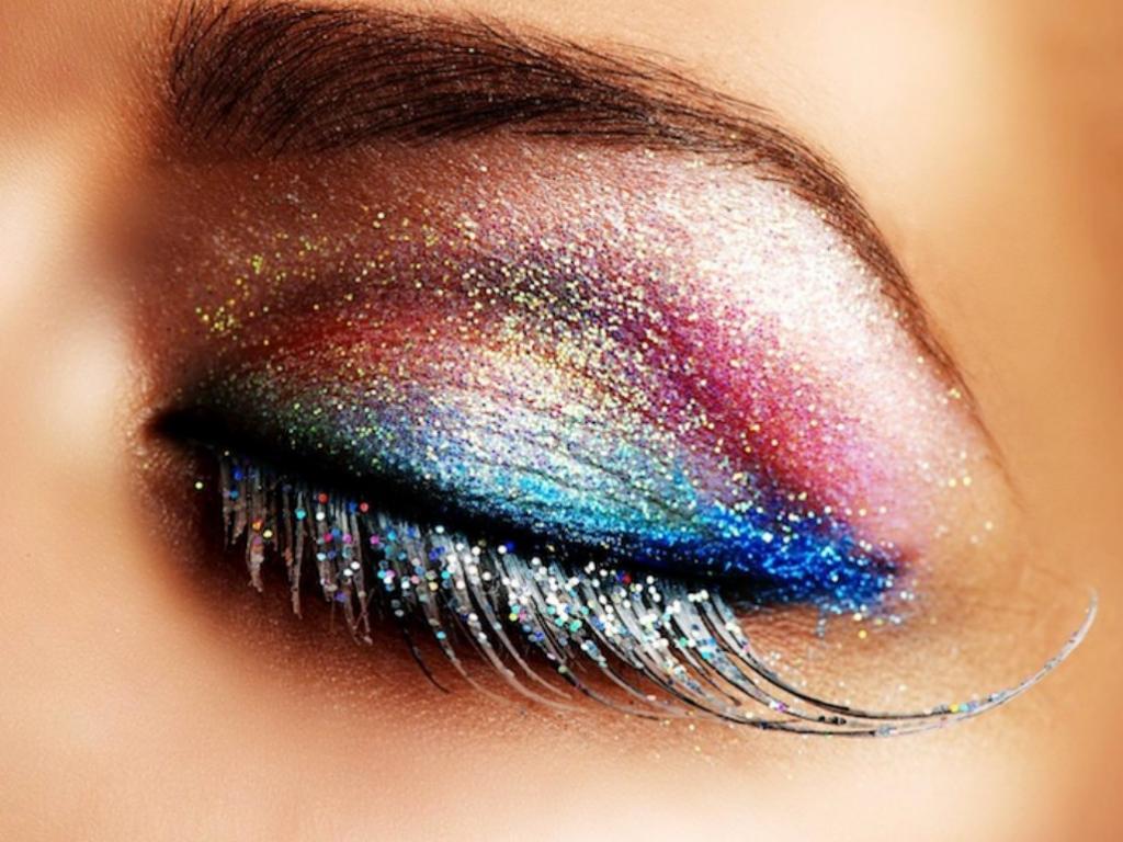 Maquiagem De Carnaval Pode Colocar Saude Ocular Em Risco Diario