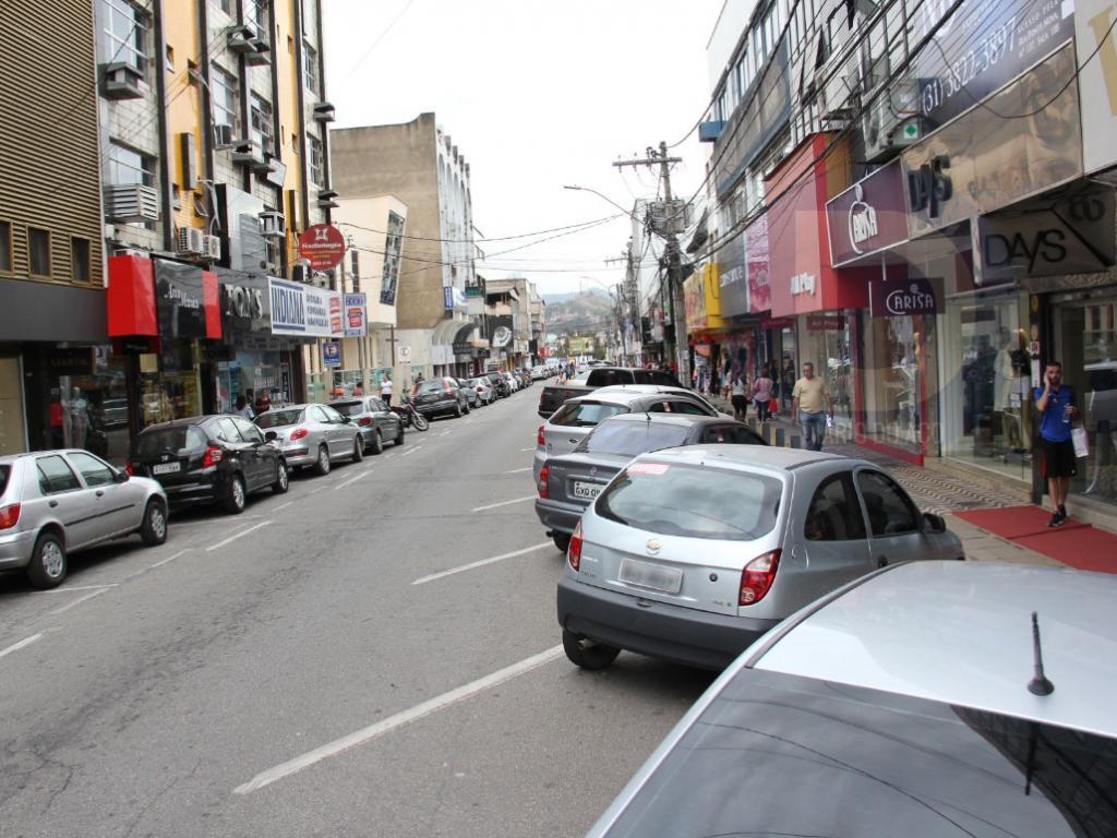1f1f9958650 Lojas ficam sem energia elétrica no Centro de Ipatinga - Diário do Aço