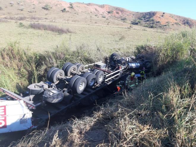 Caminhoneiro é vítima de acidente fatal na BR-381 em Naque   Portal Diário  do Aço