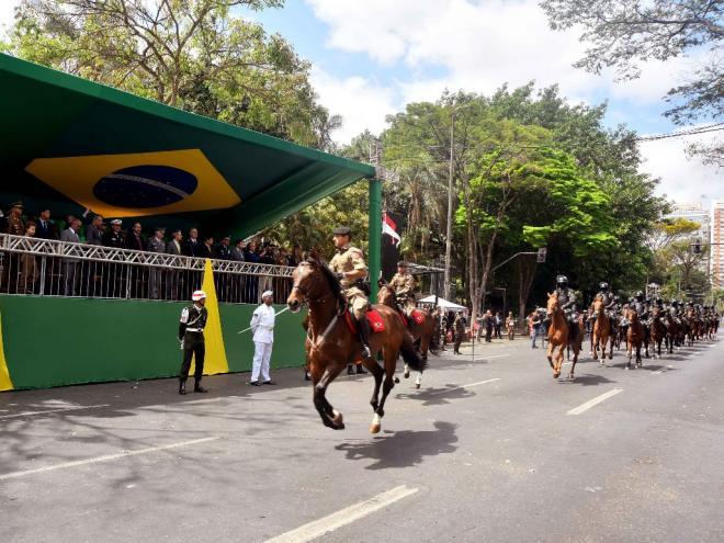 Para moradores de Coronel Fabriciano, brasileiros não dão ...